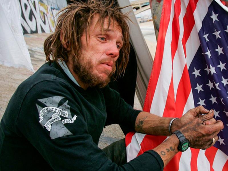зависимый на фоне флага США